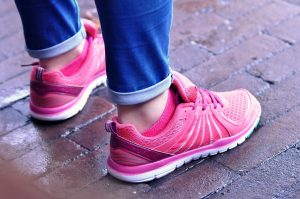 Read more about the article Lightweight Women Running Shoes